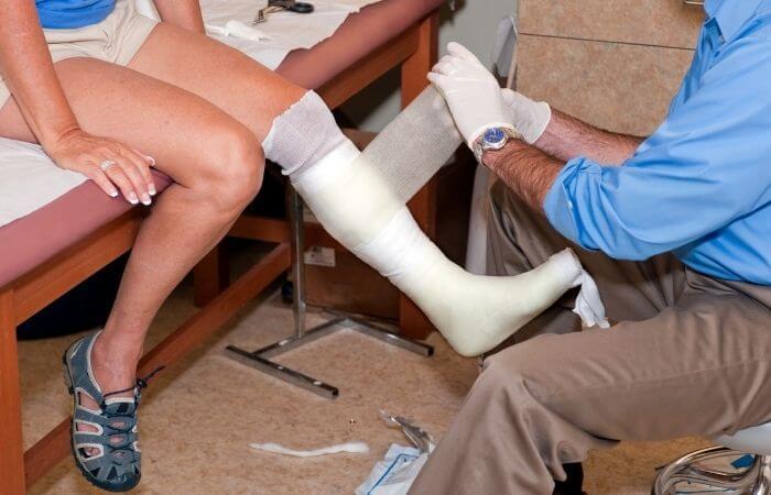 how to waterproof a leg cast