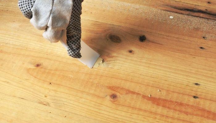 apply a wood filler