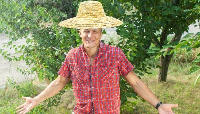 how to waterproof a straw hat